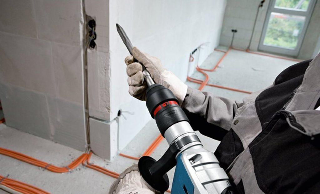 shtroblenie sten pod provodku elektryky - Штробление стен под проводку
