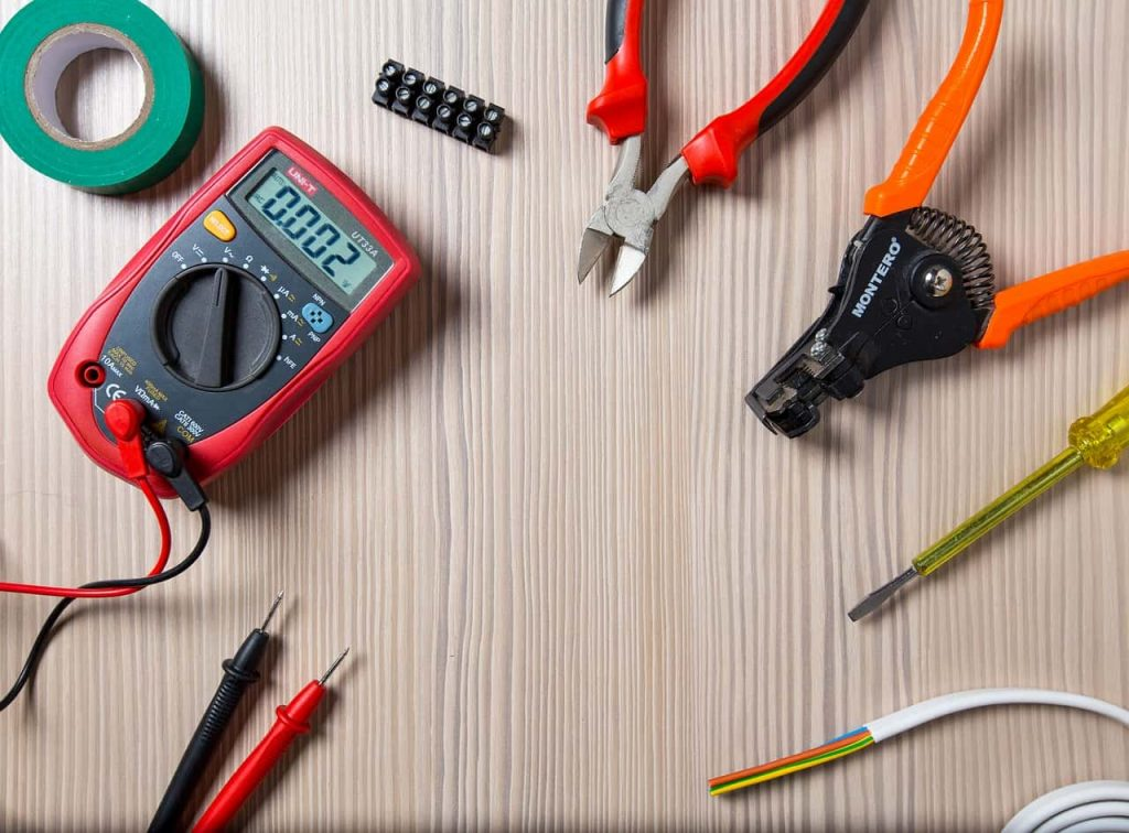 electric min1 1024x756 - Вызов электрика на Нивках
